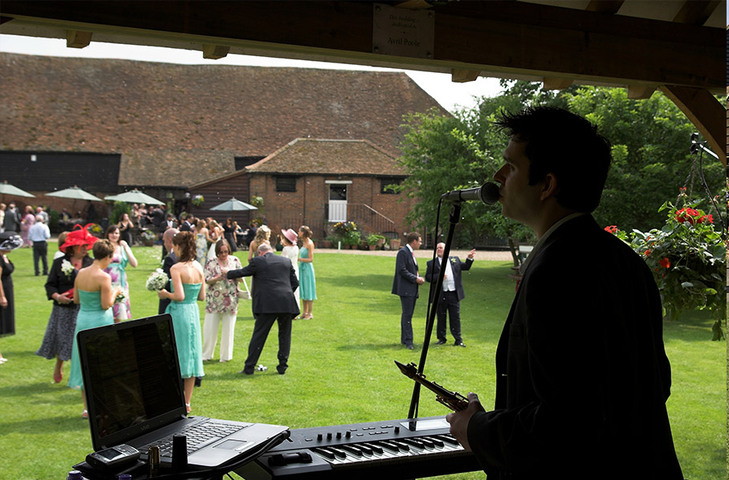 Wedding Singer & Saxophonist at Cooling Castle Barn in Kent